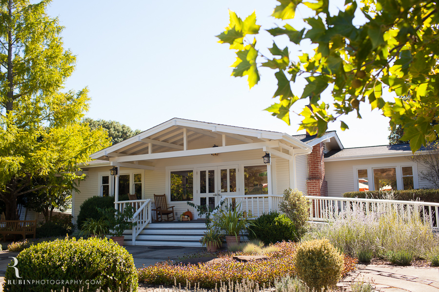 Golden Eye Winery Lifestyle Photography By Wine Photographer Alex Rubin in Anderson Valley_0003